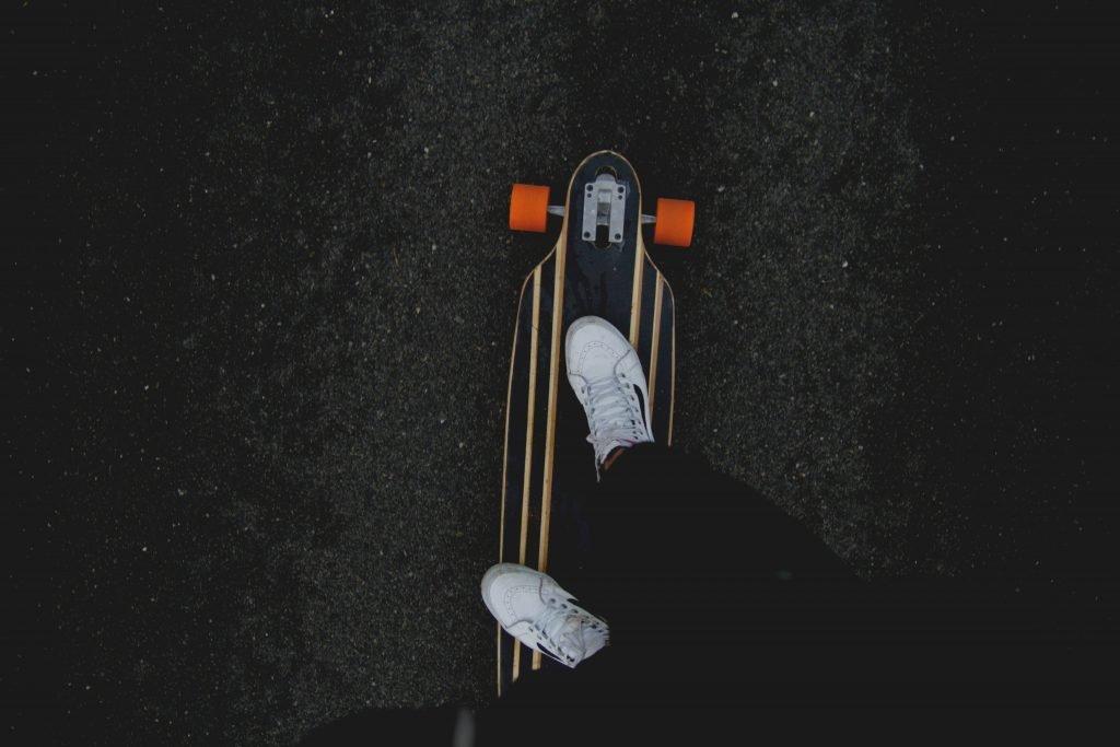 Person som åker på en skateboard