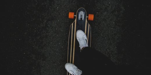 Person som åker på en skateboard