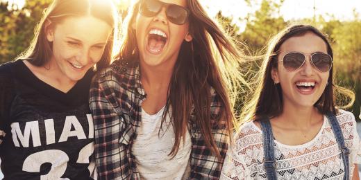 Glada tjejer.